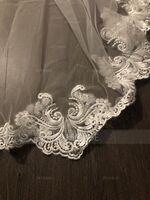 One-tier Lace Applique Edge Cathedral Bridal Veils (006128096)