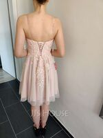 A-Line V-neck Short/Mini Tulle Homecoming Dress With Beading Sequins (300244261)