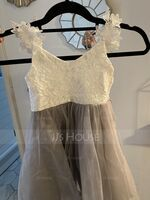 A-Line Knee-length Flower Girl Dress - Tulle/Lace Sleeveless V-neck (010225319)