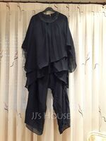 Jumpsuit/Pantsuit Scoop Neck Chiffon Mother of the Bride Dress With Beading Sequins (008255216)