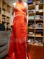 A-Line Scoop Neck Floor-Length Satin Prom Dresses With Split Front Pockets (018224401)