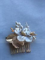 Classic Alloy Combs & Barrettes With Venetian Pearl (042155628)
