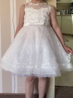 A-Line Knee-length Flower Girl Dress - Satin/Lace Sleeveless Scoop Neck With Beading/Flower(s)/Bow(s) (010092670)