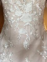 Trumpet/Mermaid V-neck Court Train Lace Wedding Dress (002186370)