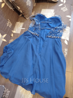 A-Line V-neck Short/Mini Chiffon Homecoming Dress With Beading Sequins (300252679)