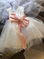 A-Line Knee-length Flower Girl Dress - Tulle/Lace Short Sleeves Scoop Neck With Sash/Bow(s) (Undetachable sash) (010192422)