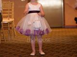 A-Line/Princess Knee-length Flower Girl Dress - Satin/Tulle Sleeveless Scoop Neck With Bow(s) (010103724)
