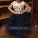 A-Line/Princess Knee-length Flower Girl Dress - Tulle Sleeveless Scoop Neck With Lace (269186597)