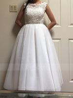 Ball-Gown/Princess Scoop Neck Tea-Length Tulle Wedding Dress With Beading Sequins (002107549)