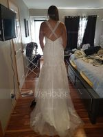 Trumpet/Mermaid V-neck Court Train Tulle Wedding Dress With Beading Sequins (002117025)