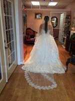 One-tier Cathedral Bridal Veils With Lace Applique Edge (006036782)