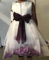 Ball Gown Knee-length Flower Girl Dress - Cotton Blends Sleeveless Scoop Neck With Flower(s)/Bow(s) (010087444)
