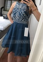 A-Line Scoop Neck Short/Mini Chiffon Homecoming Dress With Beading (300244182)
