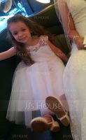 A-Line/Princess Knee-length Flower Girl Dress - Tulle Sleeveless Scoop Neck With Lace (010091391)