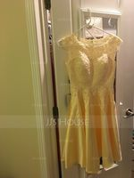 A-Line Scoop Neck Knee-Length Satin Homecoming Dress (300243972)
