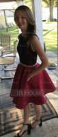A-Line Scoop Neck Short/Mini Satin Homecoming Dress With Lace Pockets (022164897)