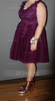A-Line V-neck Knee-Length Tulle Homecoming Dress (300244132)