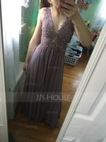 A-Line V-neck Floor-Length Chiffon Prom Dresses With Beading (018138357)