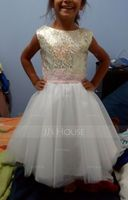 A-Line/Princess Knee-length Flower Girl Dress - Tulle/Sequined Sleeveless Scoop Neck With Sequins/Bow(s) (010123035)