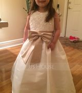 Ball Gown Floor-length Flower Girl Dress - Satin Sleeveless Scoop Neck With Sash/Appliques/Bow(s) (Petticoat NOT included) (010094119)