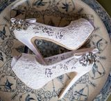 Women's Lace Stiletto Heel Peep Toe Platform Pumps Sandals With Rhinestone (047057070)