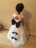 A-Line/Princess Floor-length Flower Girl Dress - Tulle/Lace Sleeveless V-neck With Sash/Bow(s)/Back Hole (010103713)