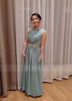 A-Line/Princess Scoop Neck Floor-Length Chiffon Prom Dresses With Ruffle Beading Appliques Lace Sequins (018070360)
