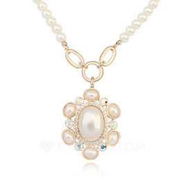 Ladies' Luxurious Shell Necklaces For Bride/For Bridesmaid/For Friends (011208241)