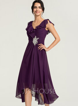 A-Line V-neck Asymmetrical Chiffon Cocktail Dress With Beading (016170844)