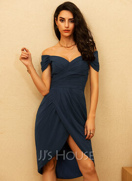 Sheath/Column Off-the-Shoulder Asymmetrical Chiffon Cocktail Dress With Ruffle (016170840)