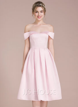 A-Line/Princess Off-the-Shoulder Knee-Length Satin Bridesmaid Dress (266177020)