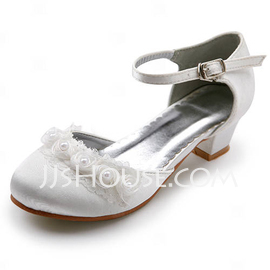 Women's Satin Low Heel Closed Toe Flats With Buckle Stitching Lace