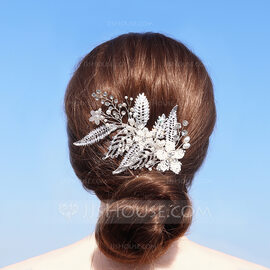 Ladies Beautiful Alloy/Beads Combs & Barrettes With Rhinestone (042220351)