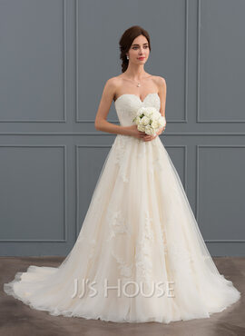 Ball-Gown/Princess Sweetheart Court Train Tulle Wedding Dress With Ruffle Beading (002127270)