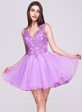 A-Line/Princess V-neck Short/Mini Tulle Lace Homecoming Dress With Beading Sequins (022068045)