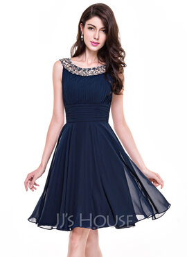 A-Line Scoop Neck Knee-Length Chiffon Cocktail Dress With Ruffle Beading (016065518)