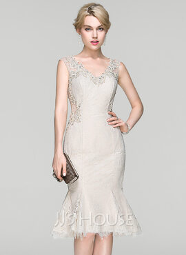 Trumpet/Mermaid V-neck Knee-Length Lace Cocktail Dress With Beading Sequins (016094386)