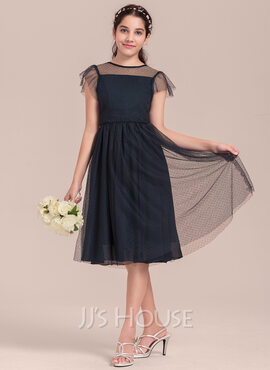 A-Line/Princess Scoop Neck Knee-Length Tulle Junior Bridesmaid Dress With Cascading Ruffles