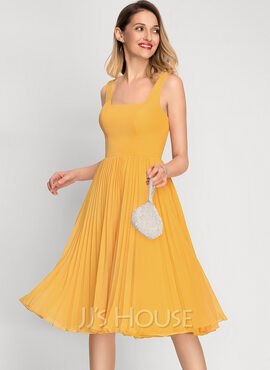 A-Line Square Neckline Knee-Length Chiffon Cocktail Dress With Pleated (016212847)