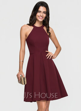 A-Line Scoop Neck Knee-Length Satin Homecoming Dress With Ruffle (022164891)