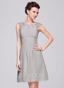 A-Line Scoop Neck Knee-Length Chiffon Bridesmaid Dress With Ruffle Lace (007059450)