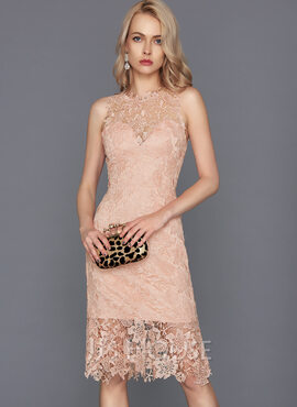 Sheath/Column Scoop Neck Knee-Length Lace Cocktail Dress (016124552)