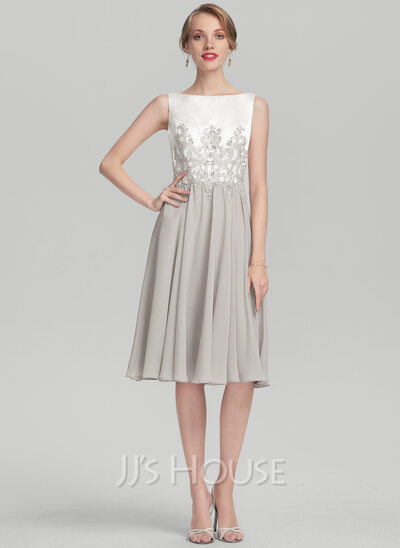 A-Line/Princess Scoop Neck Knee-Length Chiffon Satin Cocktail Dress With Beading Appliques Lace