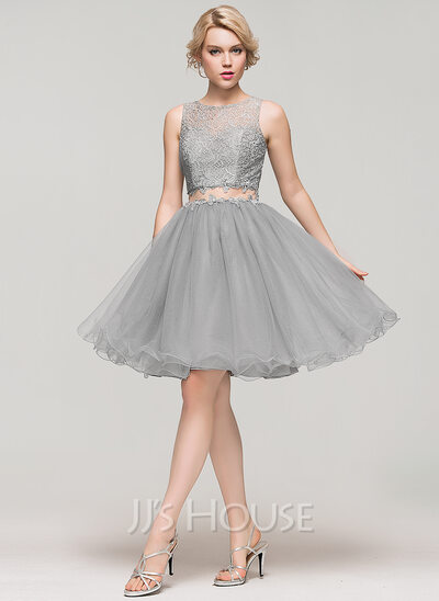 A-Line/Princess Scoop Neck Knee-Length Tulle Lace Cocktail Dress With Beading Sequins
