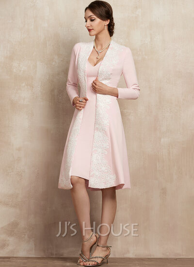 Sheath/Column V-neck Knee-Length Stretch Crepe Mother of the Bride Dress