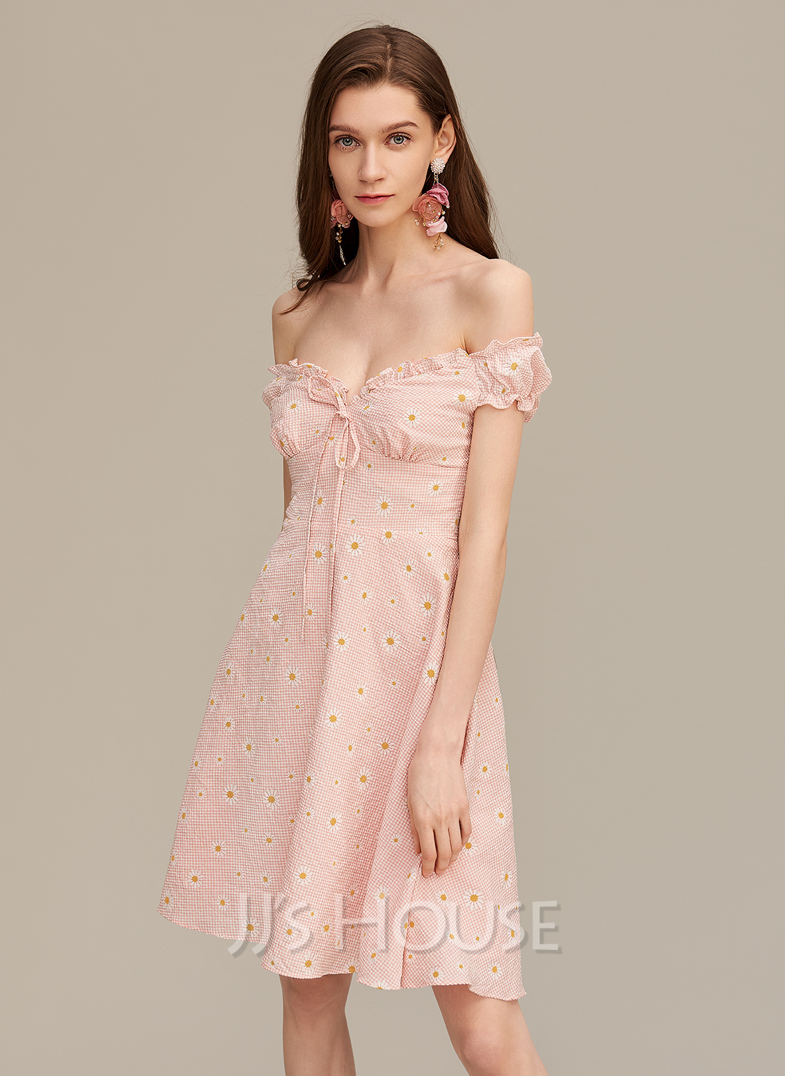 A-Line Off-the-Shoulder Short/Mini Homecoming Dress With Ruffle