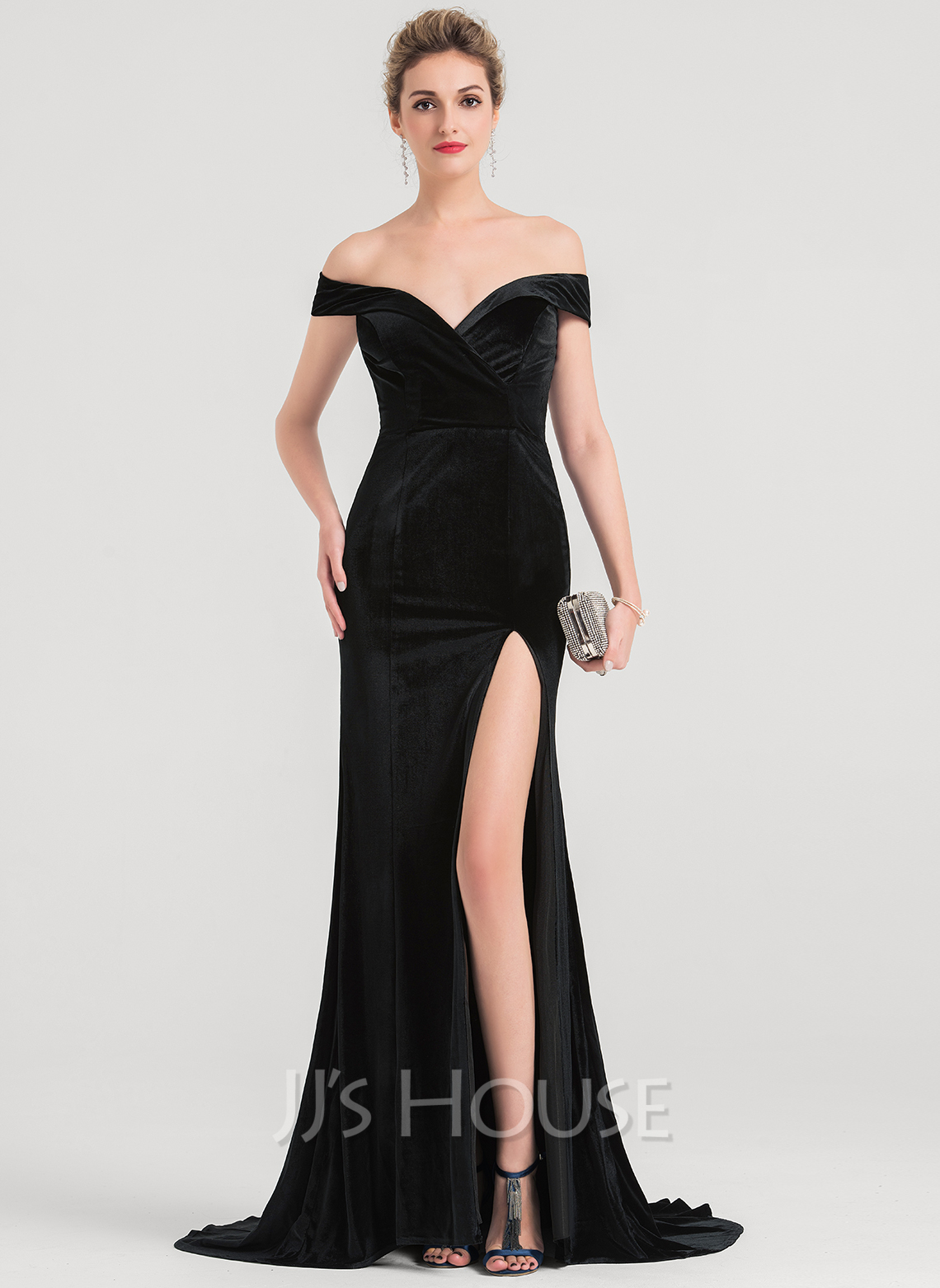 e202a4305225 Trumpet/Mermaid Off-the-Shoulder Sweep Train Velvet Prom Dresses With Split  Front. Loading zoom