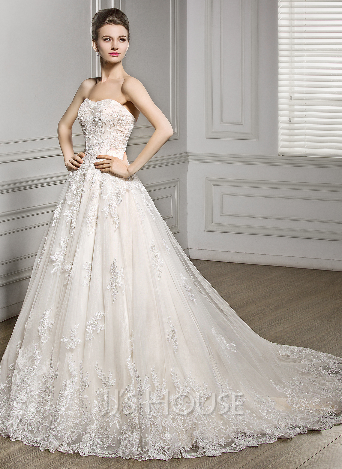 ball gown sweetheart court train tulle lace wedding dress