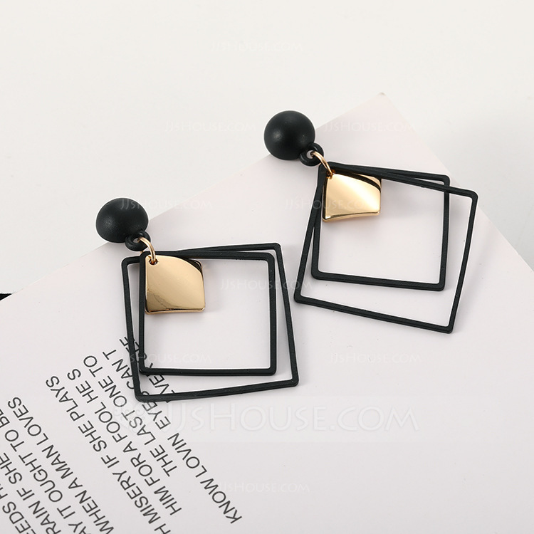 Square Alloy Women's Fashion Earrings (Sold in a single piece)
