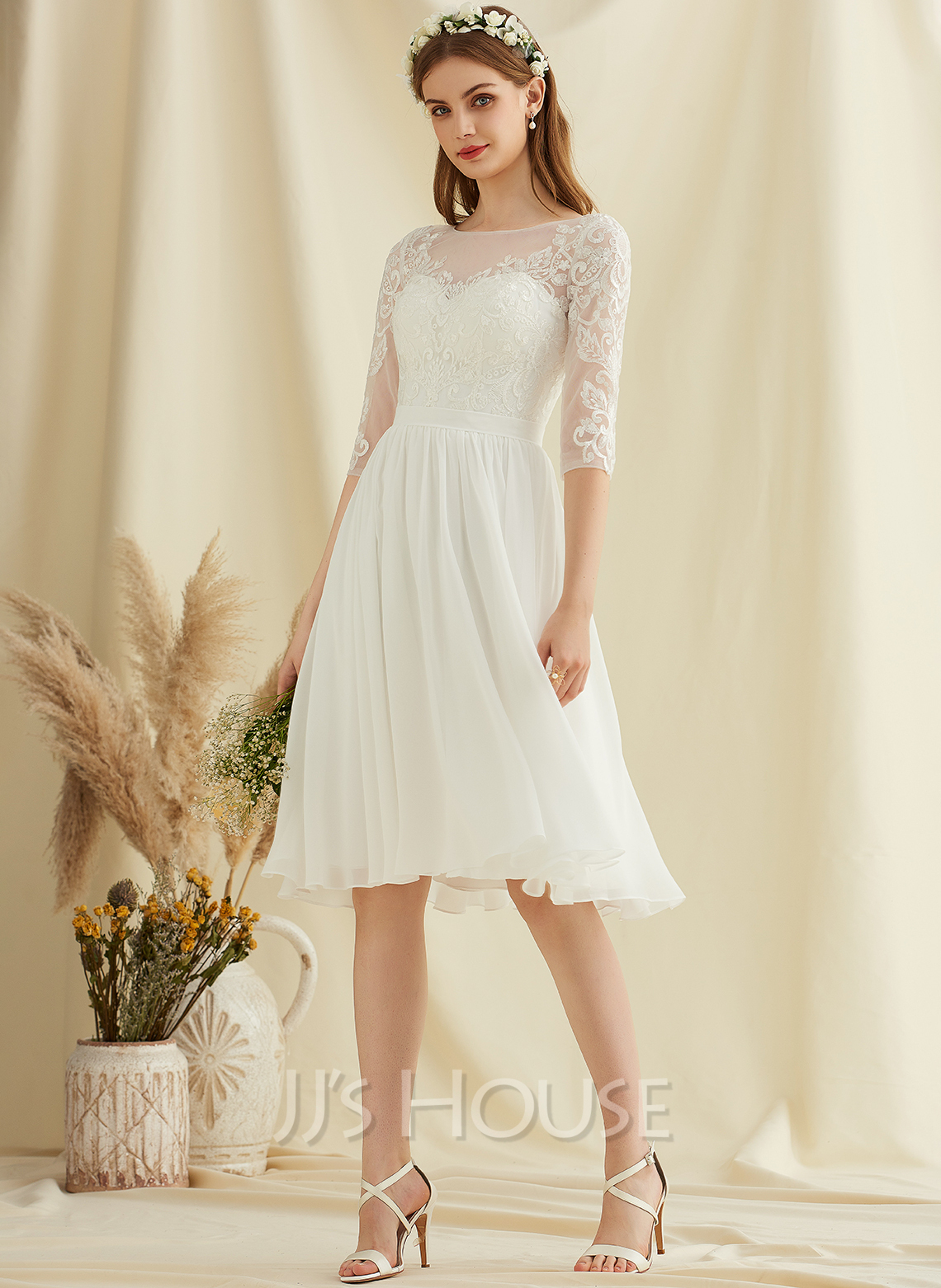 A-Line Knee-Length Chiffon Lace Wedding Dress With Sequins